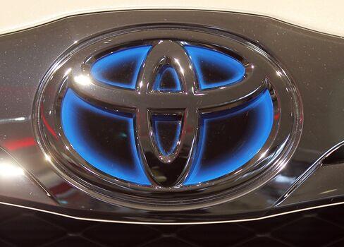 Toyota Recalls 2.2 Million U.S. Models for Carpet, Mat Flaws