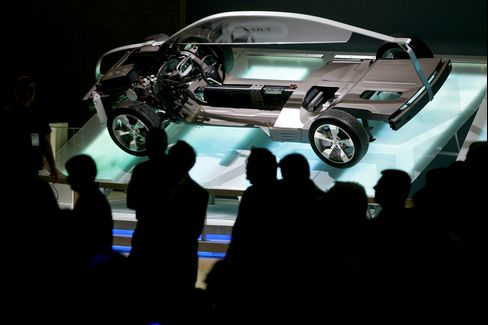 GM Volt Supply Poised to Surge in Race With Nissan's Leaf