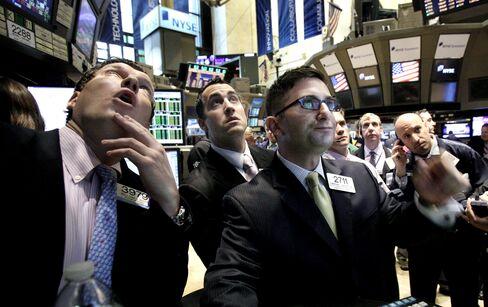U.S. Stocks Gain on Consumer Confidence