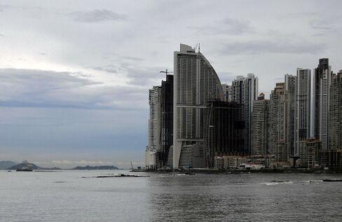 Trump Panama Hotel Bondholders May Back $220 Million Swap
