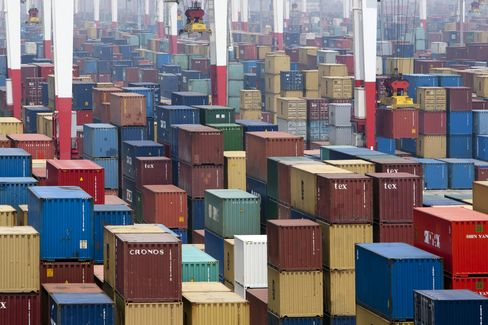 China's Exports Rose 14.1% in December, Exceeding Forecasts