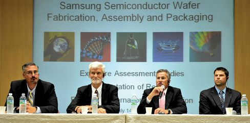 A Samsung press conference in 2011, with experts from the U.S. who conducted a chip plant safety investigation.