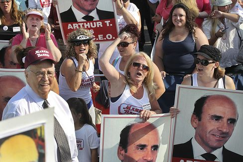 Rally in Support of Arthur T. Demoulas