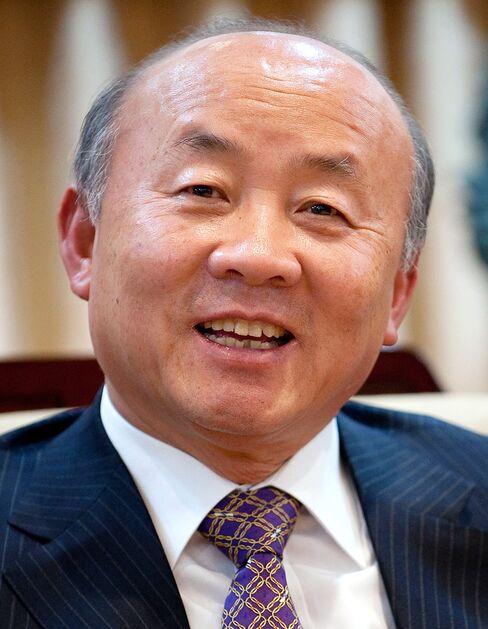 Unification Minister Yu Woo Ik