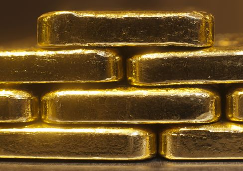 China Lags U.S. in Gold Holdings, May Raise Total, LBMA Says