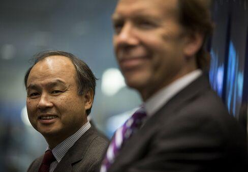 Softbank President Masayoshi Son and Sprint CEO Dan Hesse