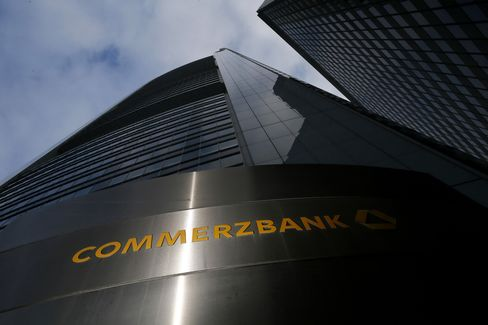Commerzbank Slumps After Report Shares Will Be Sold This Week