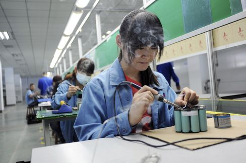 China Manufacturing Index Increases in Sign Economy Stabilizing