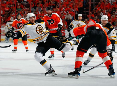 Bruins Defeat Flyers 3-2 in Overtime to Lead NHL Playoff 2-0