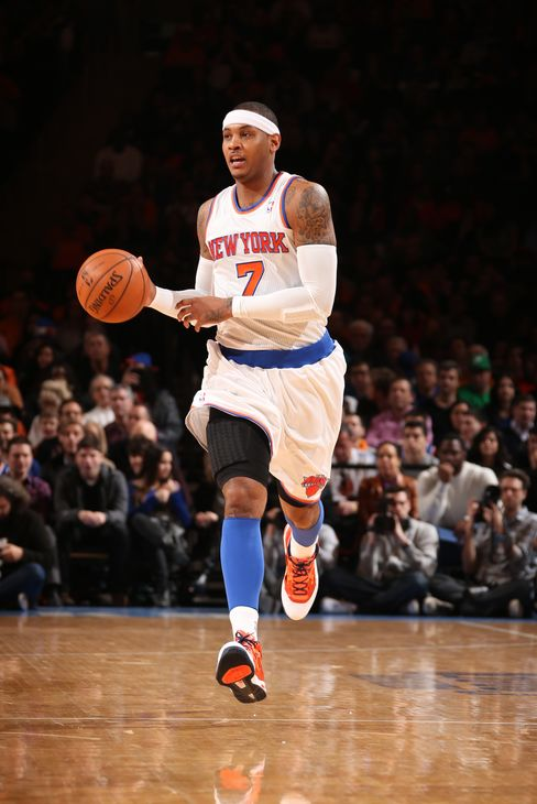 Carmelo Anthony Back for NBA Knicks, Stoudemire Has Surgery