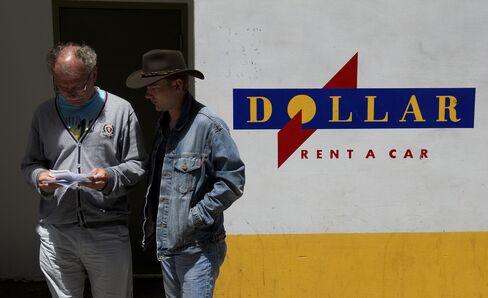 Hertz Said to Solicit Dollar Thrifty Shareholders on Bid Price