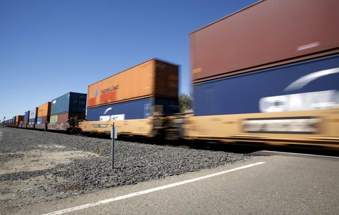 Rising Railroad Shipments Show U.S. Expansion Gaining