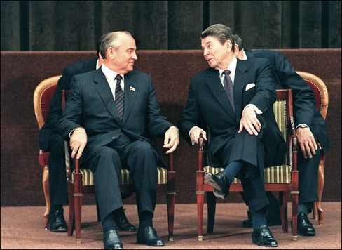 How Reagan Prepped for Gorbachev Summit With Tom Clancy Thriller
