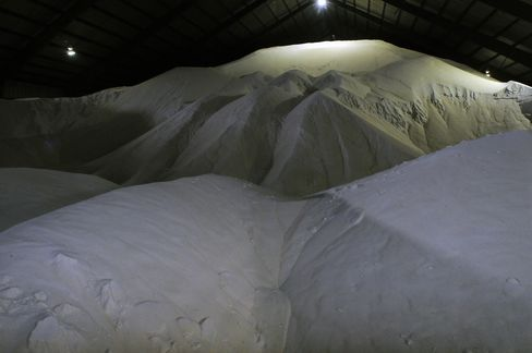 USDA Sugar-Loan Risk Growing as Domestic Glut Spurs Forfeitures