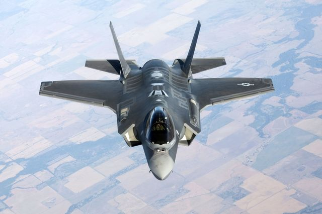 Lockheed Reaches Pentagon Agreement for 32 More F-35s - Bloomberg ...