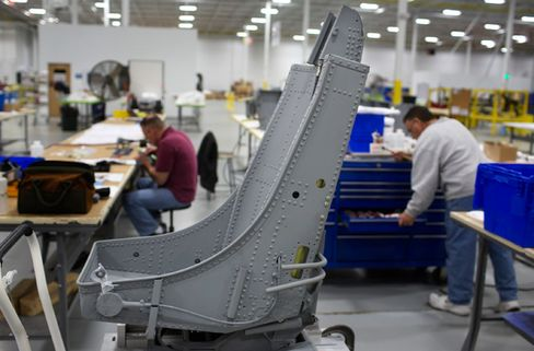 Defense Workers Await Losses in Fall Off U.S. Fiscal Cliff: Jobs