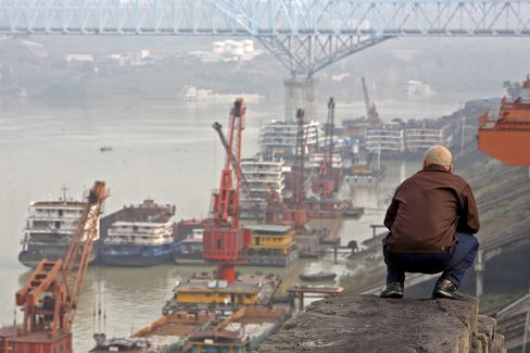 Factories Turn Yangtze To Escape Coastal Wage Inflation