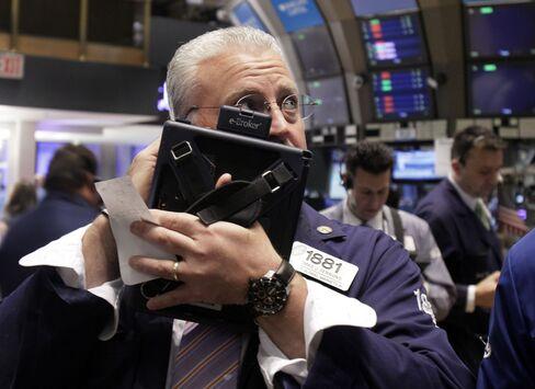 U.S. Stocks Fall on Disappointing Economic Data