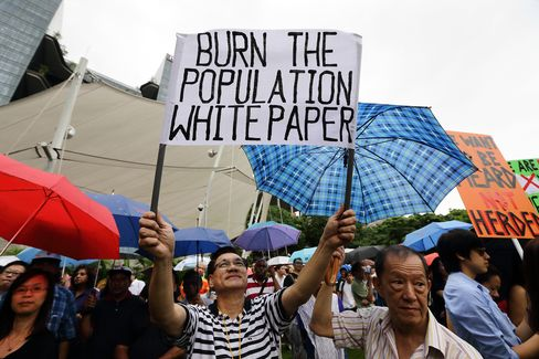 Singapore Companies Brace for Labor Curbs After Protest