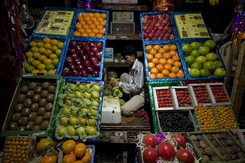 Shoppers Skipping Pomegranates Show India Rate Dilemma
