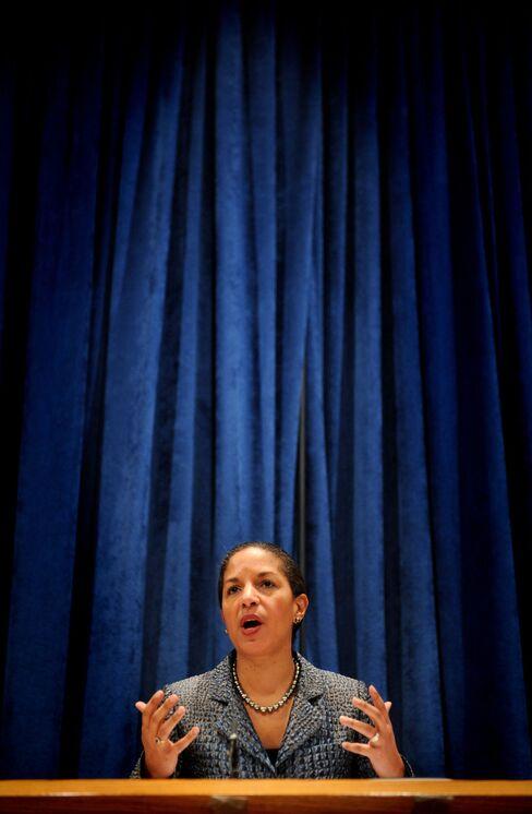Obama Defense of Rice Brings Her Closer to Top Diplomat Job