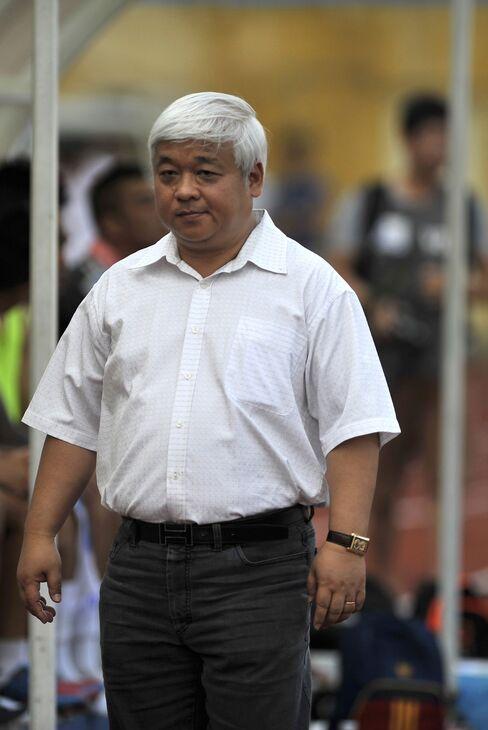 Vietnam's Arrest of Bank Mogul Sparks Slide in Financial Stocks