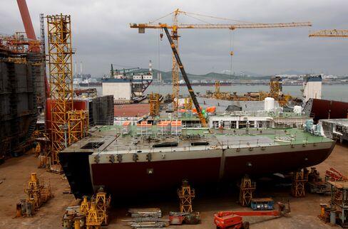Hyundai Heavy Falls as Profit Misses Expectations
