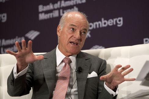 Henry Kravis, co-chairman and co-chief executive officer of KKR Management LLC, speaks at the Bloomberg Dealmakers Summit in New York. Photographer: Scott Eells/Bloomberg