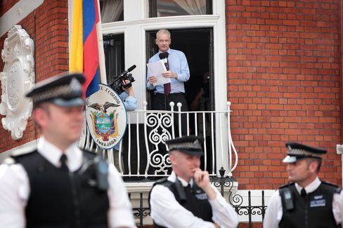Assange Calls on U.S. to End Its 'Witch Hunt' of WikiLeaks