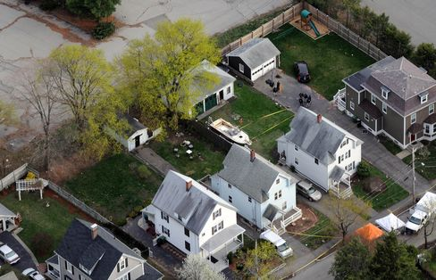 Boston Bomber Manhunt 'Missed the Boat' as Police Skip a Street