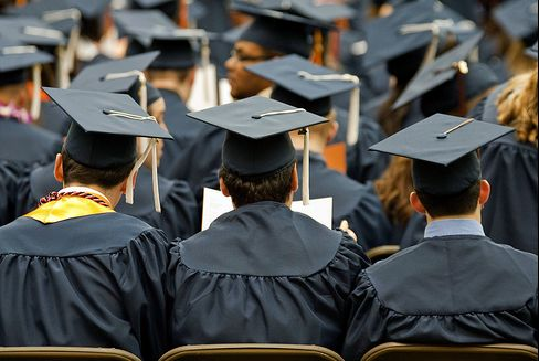 Colleges In U.S. Offer Highest-Ever Discount to Entice Students