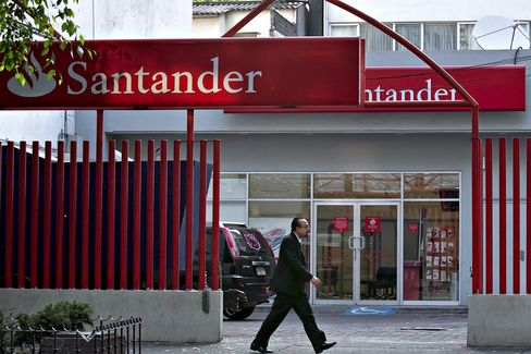 Santander's Mexico Investors Will Have to Look Past Spain Woes