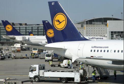 Lufthansa Scraps Dividend, Plans 9 Billion-Euro Plane Order