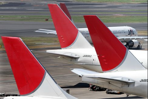 Japan Airlines May Seek Air France Venture After Tie-Up