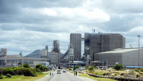 Amplats Reduces Job-Cut Plans to 6,000 After Government Talks