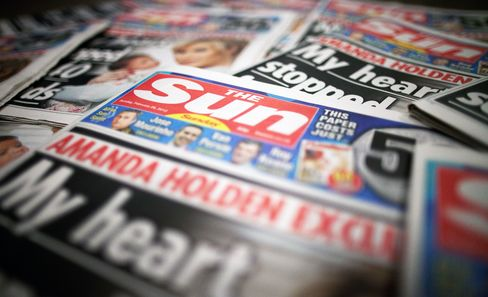 Sun Reporter Charged With Paying Bribes for Royal Family Tips