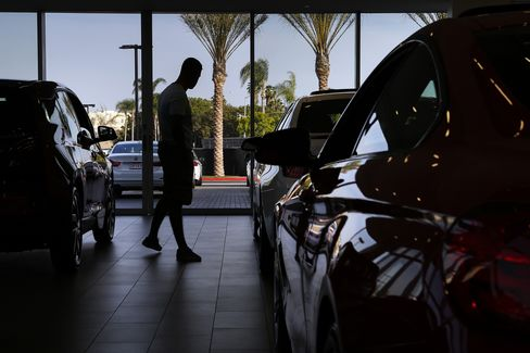 Leases Entice Drivers to Upgrade Autos as Often as IPhones