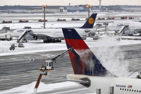 Delta Air Says Weather Will Cut Profit by $45 Million