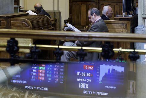 European Stocks Fall Before U.S. GDP Data