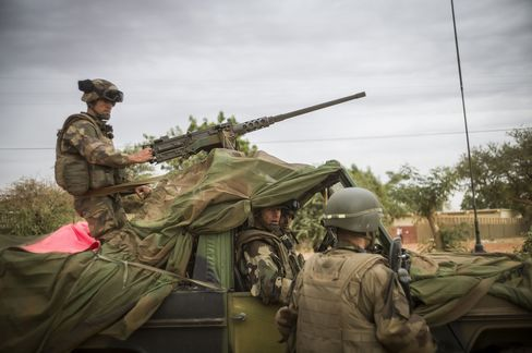 French Troops Close to Taking Timbuktu as They Pound Mali Rebels