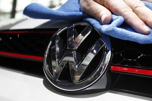 VW Drops After Announcing Convertible Bond Sale