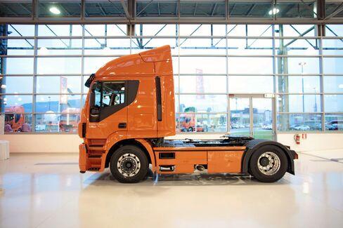 Fiat Industrial Cuts 2013 Goals on Europe Iveco Truck Sales Drop