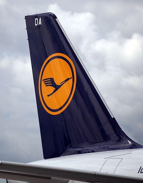 Lufthansa's 2011 Gains Narrow Air France Lead
