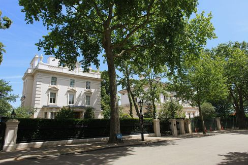 House on Billionaires Row Offered for More Than $158 Million