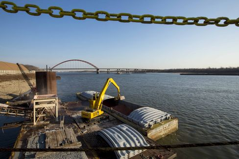 Army Rejects Plea to Boost Water Flow for Mississippi Barges