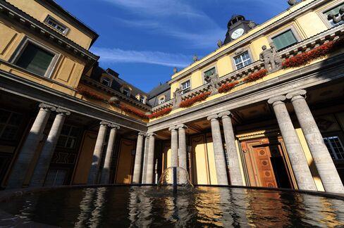 European Stocks Rebound Three-Month Low; Munich Re Gains