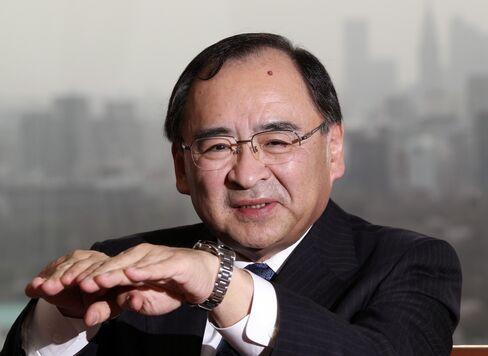 Mitsubishi UFJ Trust and Banking Presidnent Tatsuo Wakabayashi