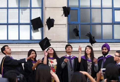 London Recruiter Says City Job Vacancies Fell 12% Last Month