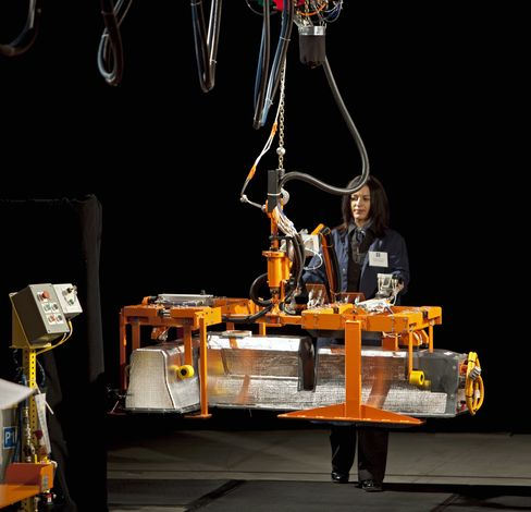 GM May Change Volt Battery, Product Development Chief Says