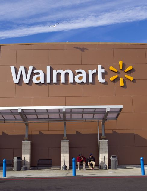 Wal-Mart Plans to End Extra Pay for Sunday Shifts
